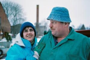 Cordula lebt im Dorf bei Maxe, will aber auch ihre Wohnung in Neubrandenburg nicht aufgeben. © Neue Visionen Filmverleih