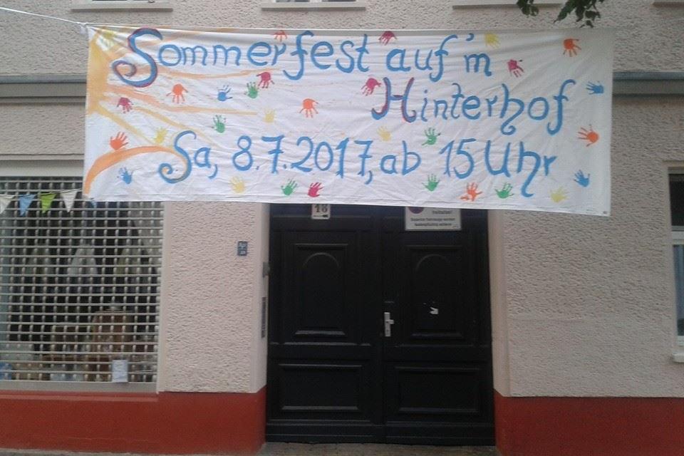 Weißensee auf einem Hof: Sommerfest in der Langhansstraße